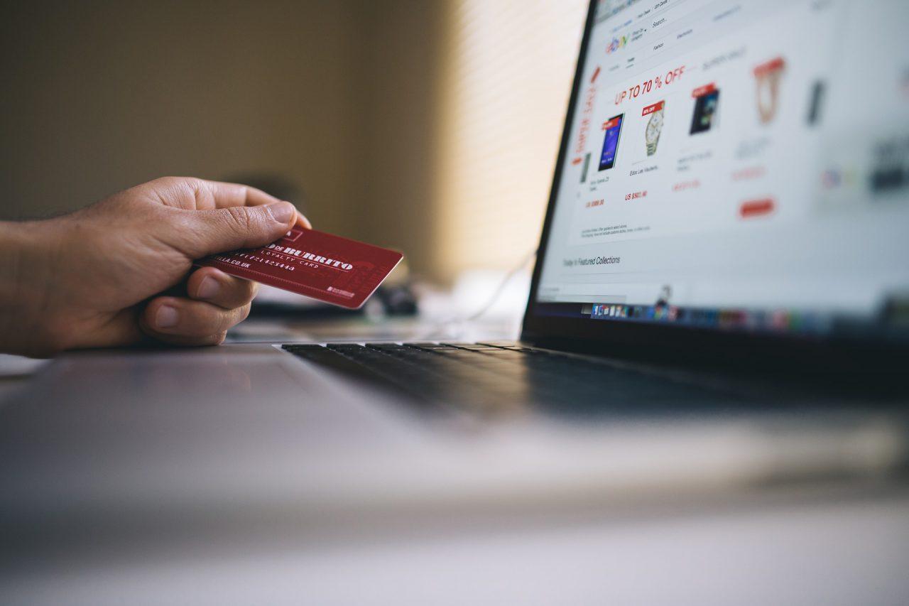 W jaki sposób opisy kategorii wspomagają e-sprzedaż?